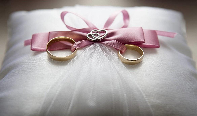 Vestuvinių žiedų plotis: pagal poreikius ar pagal taisykles?